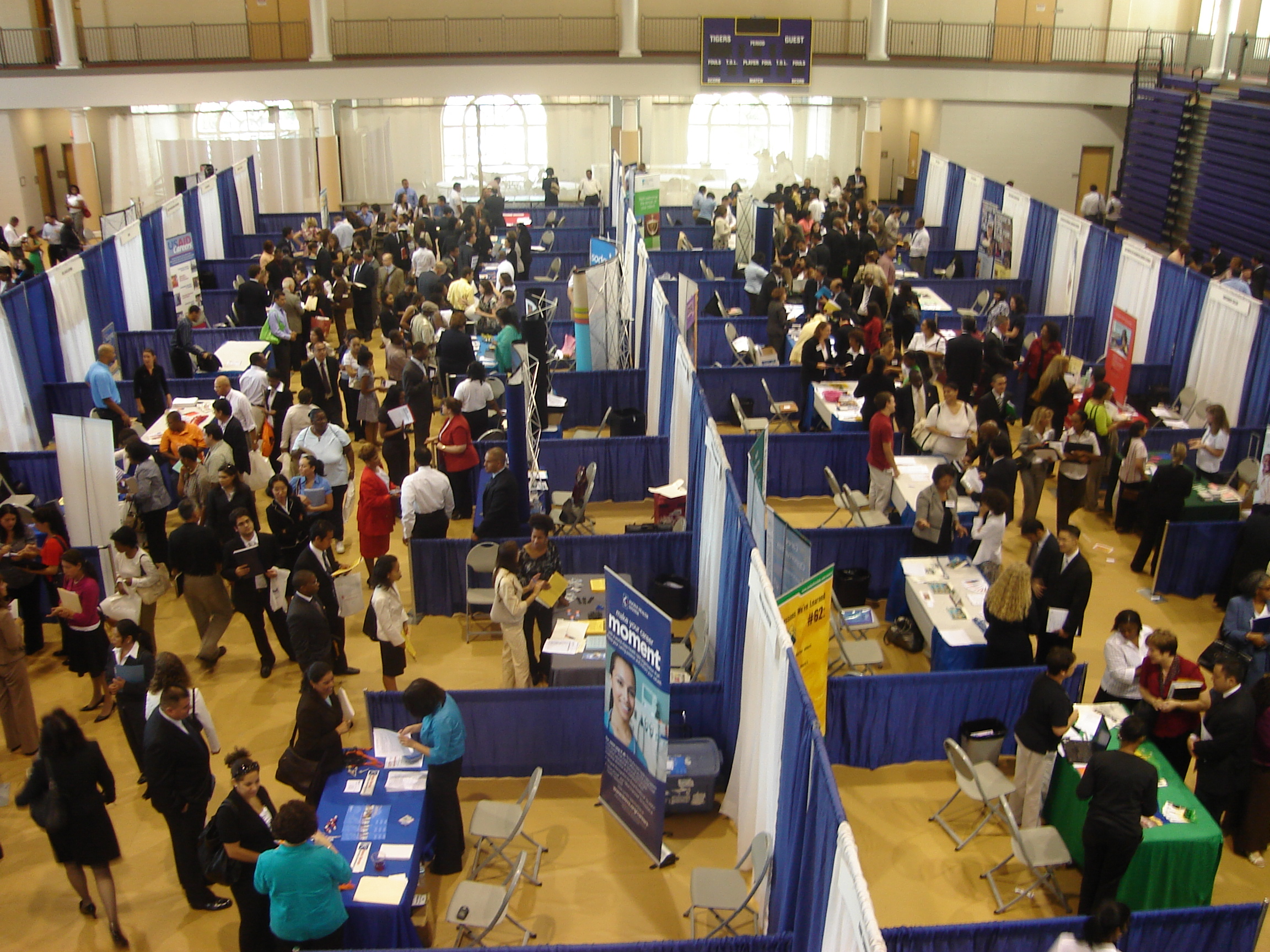 Great Questions to Ask at Career Fairs